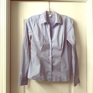 H&M stretch fit light blue button up dress shirt